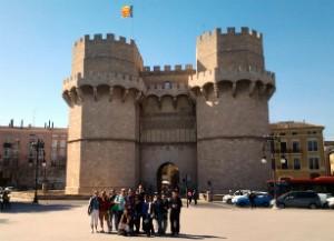 ¡Únete a nuestro tour, explora Valencia y conoce gente nueva!